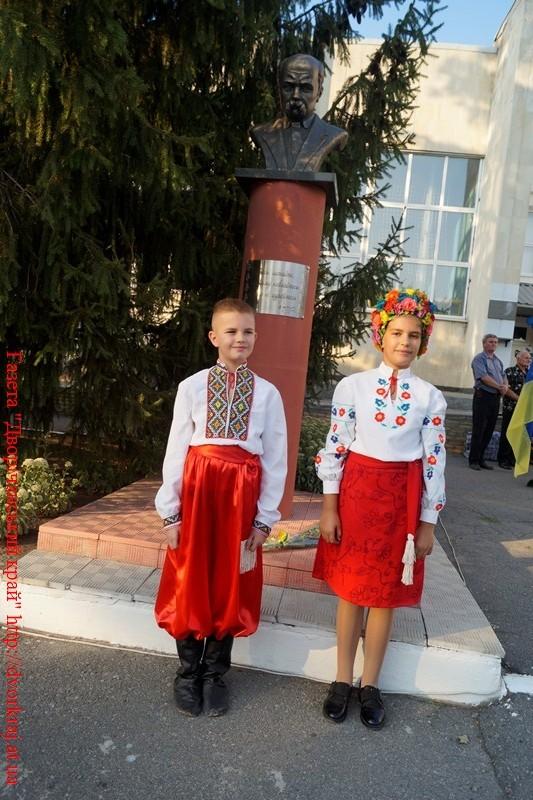Альбом: На Дворічанщині відзначили День Державного Прапора України та День незалежності України