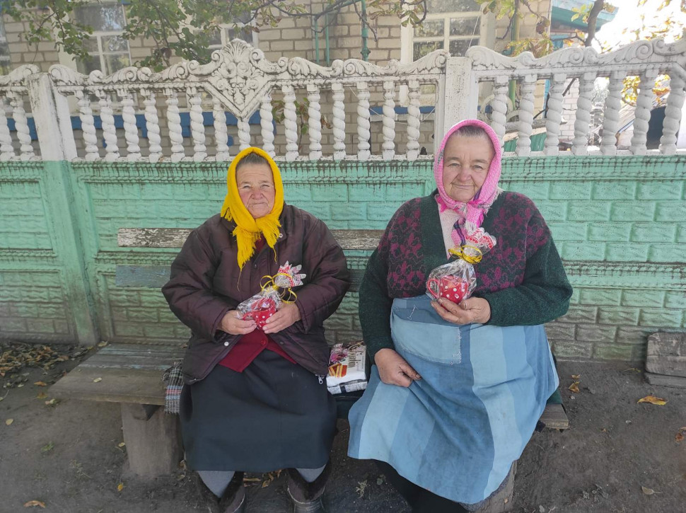 Альбом: Відвідали людей поважного віку Дворічанщини